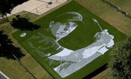 Jordan Spieth's Head Made From Thousands Of Golf Balls