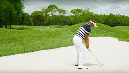 Escaping Fairway Bunkers With Luke Donald
